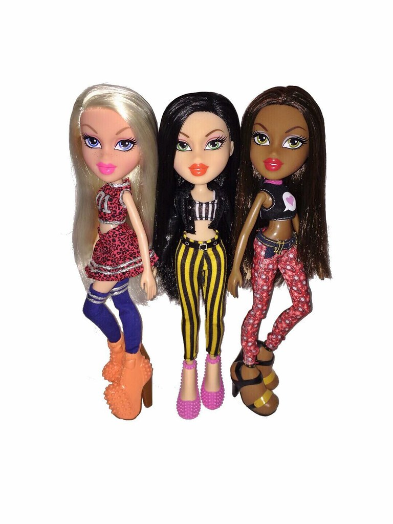Bratz 2k15 Cloe Jade Sasha | Deluxe fashion pack for Cloe ...