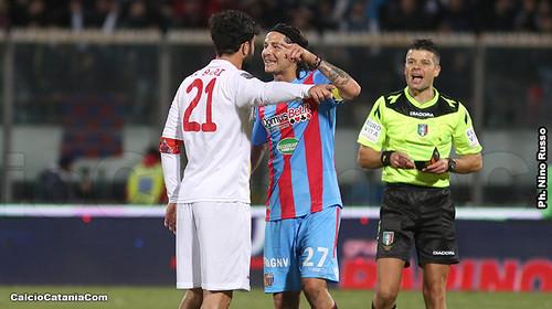 Catania-Catanzaro 3-1: Media inglese e duelli rusticani$