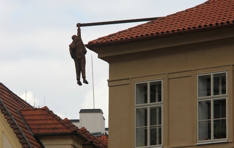 Man Hanging Out - David Cerny © Laika ac is licensed under CC by 2.0