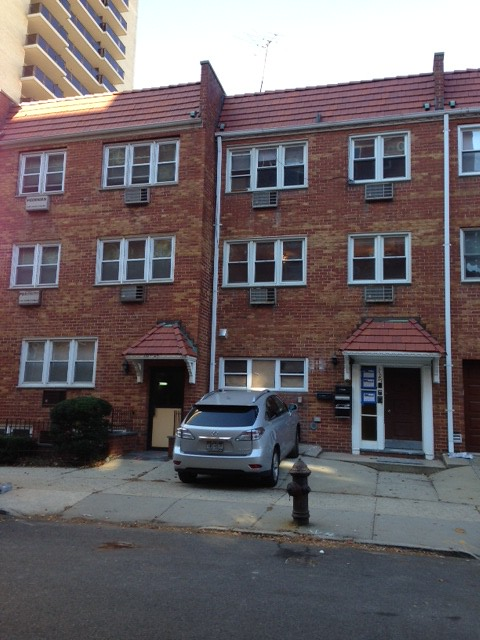 3BR/2BTH 2ND FLR RENTAL FOREST HILLS
