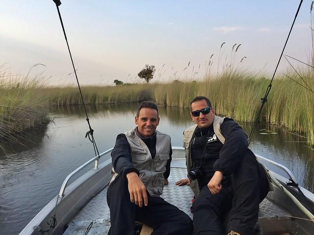 Isaac y Sele en el Delta del Okavango (Botswana)