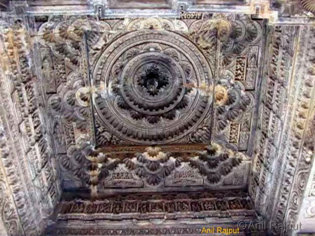 Butifull carved lotus, ceiling of Mandap, Sahastrabahu Temple, Nagda, Udaipr