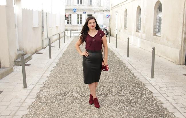 comment_porter_top_lacet_bottines_franges_façon_feminine_blog_mode_la_rochelle_5