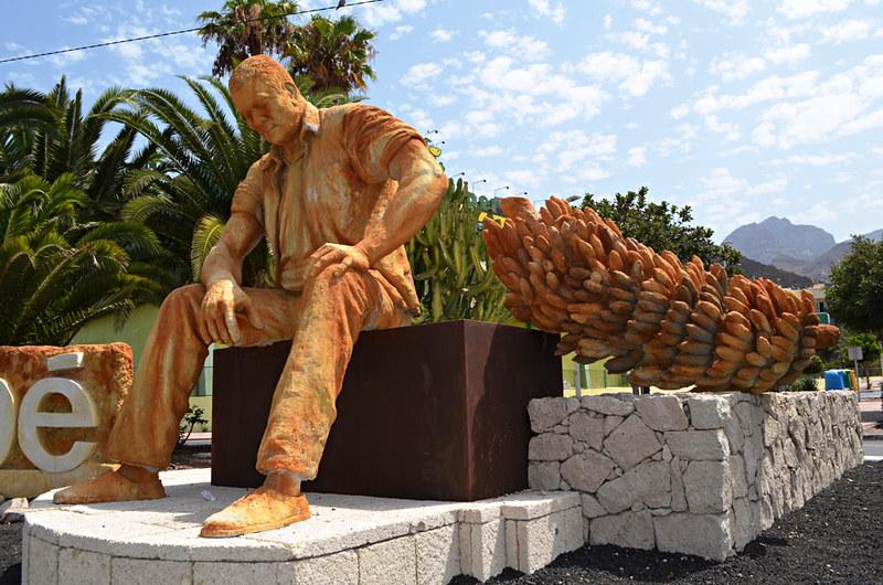 Banana worker, Fañabe, Costa Adeje, Tenerife