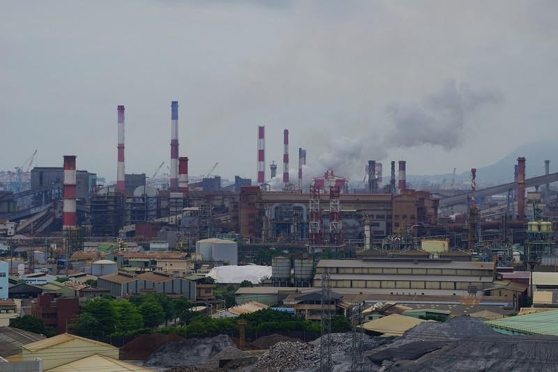 大林蒲社區與重工業的煙囪緊鄰,污染嚴重。圖片來源:地球公民基金會。傅志男攝