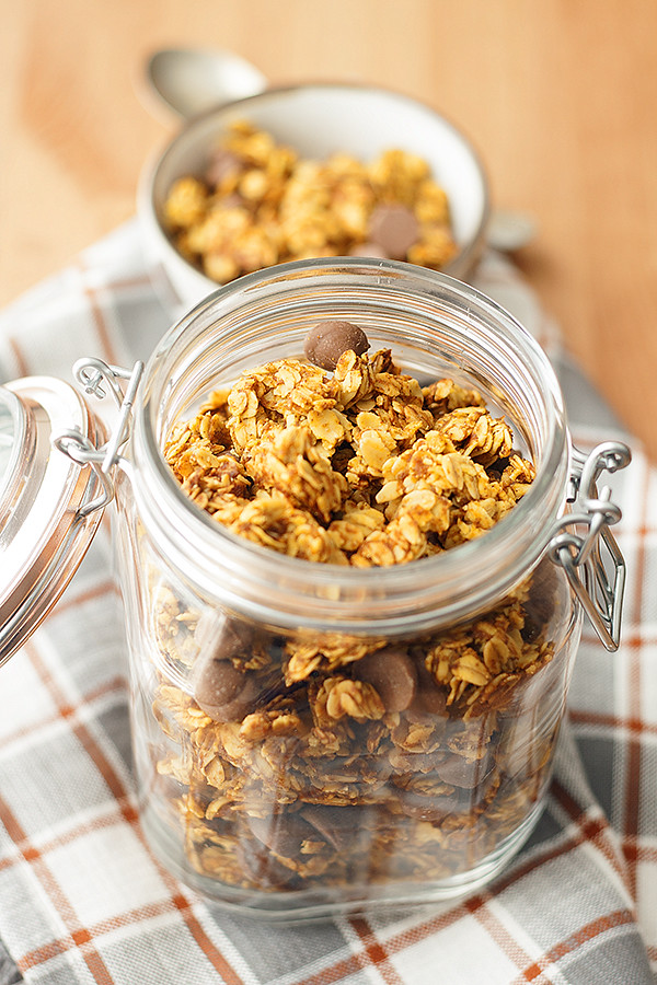pumpkin + chocolate granola