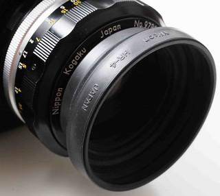 二手鏡頭 香港 . . . 兩款用於45-58mm焦距遮光罩………. Nikon HR-4 及副廠 同為日本制造