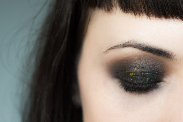 Nietypowy Okaz Beauty Monday: Shimmer Dust. | Agata ma Nosa - makijaż RO14