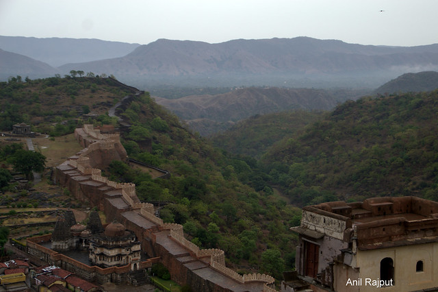 The Great Wall of Kumbhalgarh 37km. long, 20ft. thick , second longest in the world