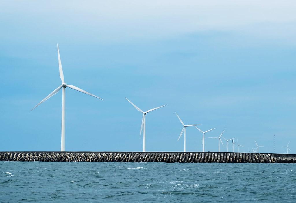 臨海的陸域風力發電。攝影:陳文姿