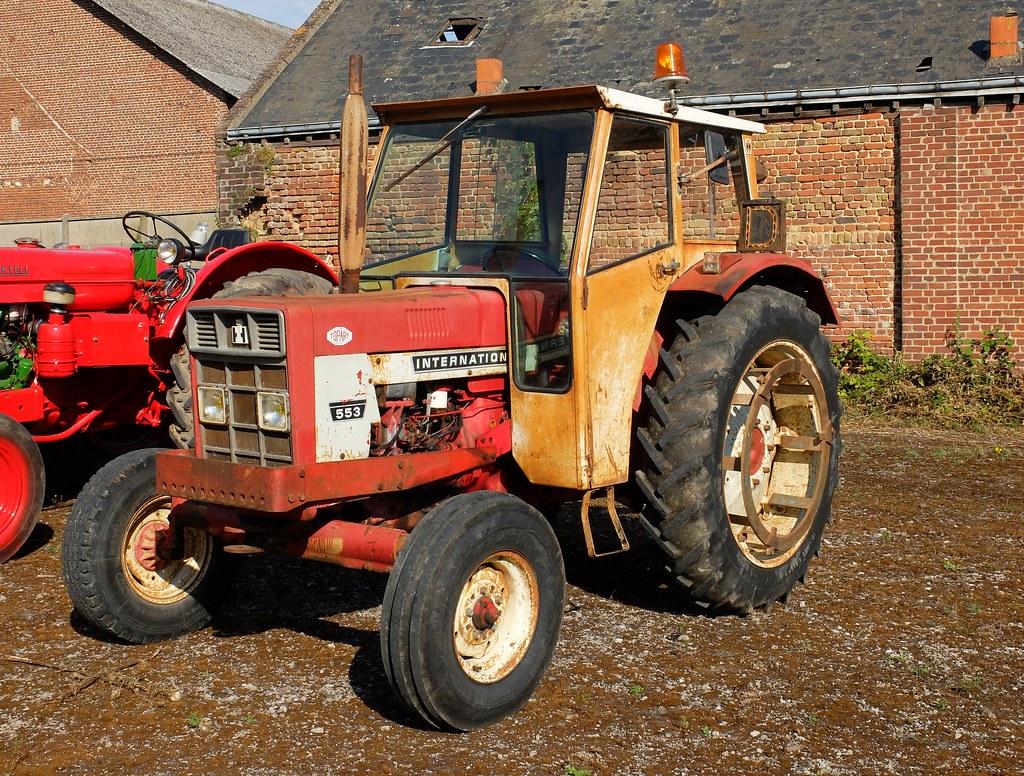 tracteur international harvester 553 avec cabine flickr. Black Bedroom Furniture Sets. Home Design Ideas