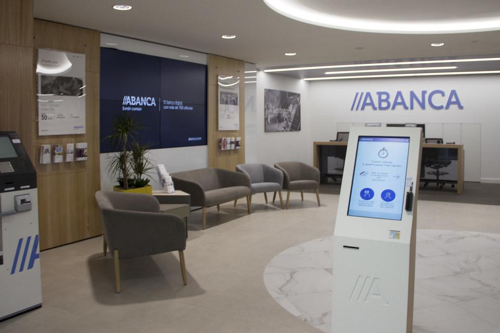 nuevo modelo de oficina abanca zona transaccional con el