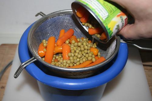 57 - Erbsen & Möhren abtropfen lassen / Drain peas & carrots