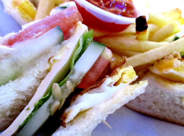 SCR Sg Merah sandwich & French fries 2