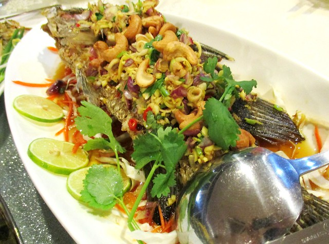 Flavours Thai Kitchen lap barramundi