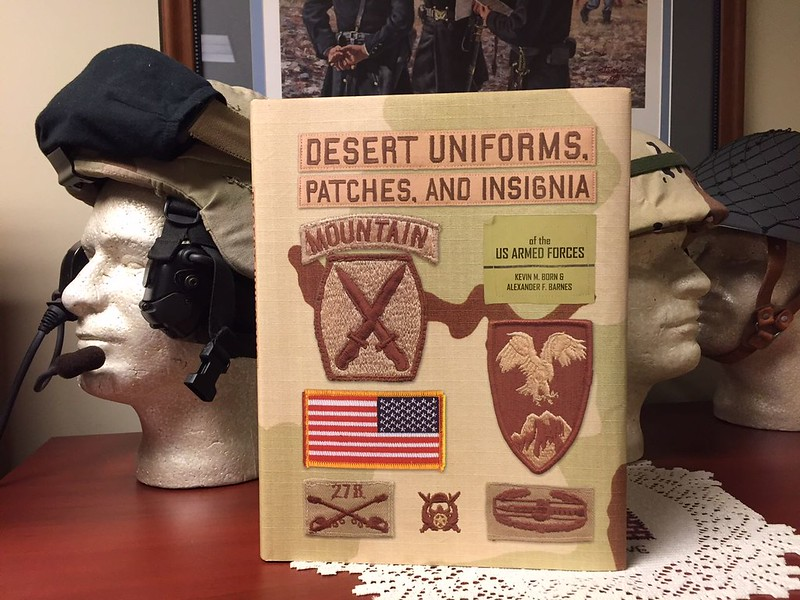 Desert Uniforms, Patches, and Insignia of the US Armed Forces 1st Edition 30969295555_c9397b68ba_c