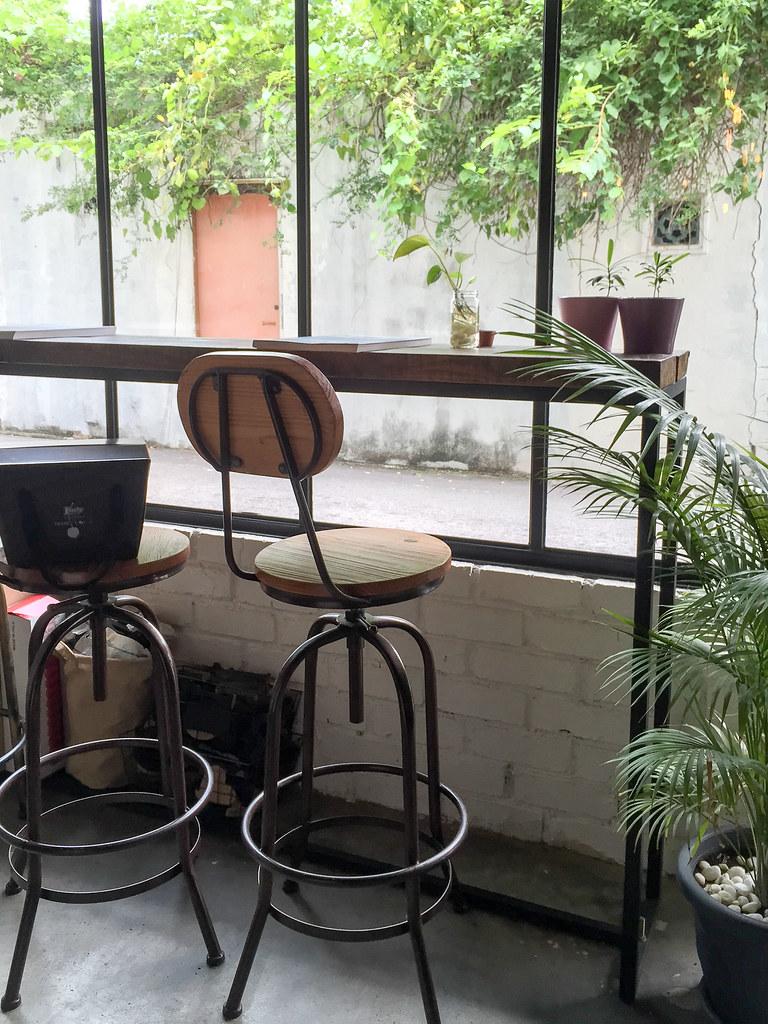 Another cozy corner in Backlane Coffee Melaka, facing the backstreet of Melaka