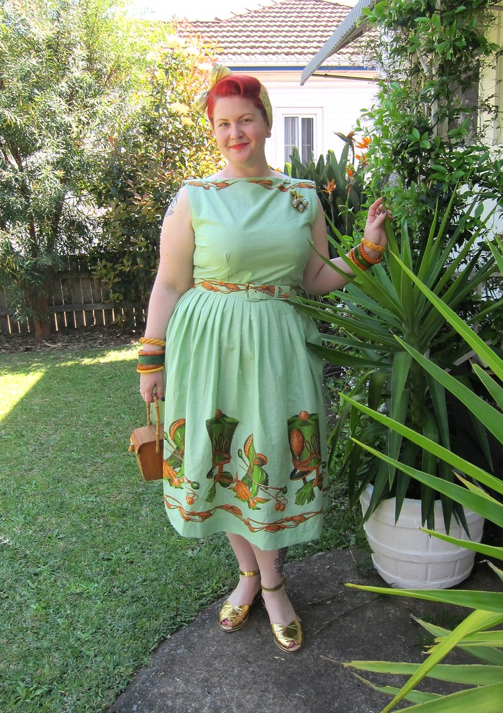miss l fire harlow 1950s novelty print dress green majorette plus xl bakelite