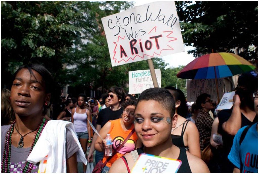 紐約追求酷兒經濟正義組織(Queers for Economic Justice, QEJ)。