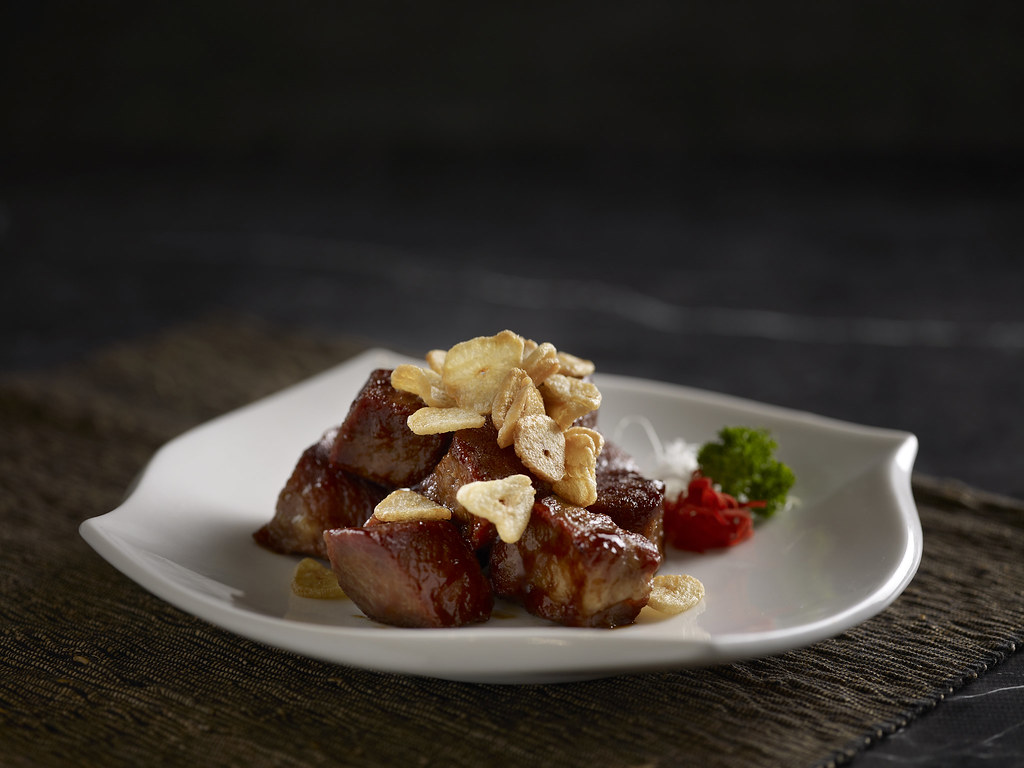 Cantonese Cuisine Crowne Plaza - Pan Fried Diced Iberico Pork with Sliced Garlic