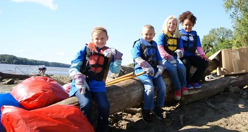 river cleanup kids