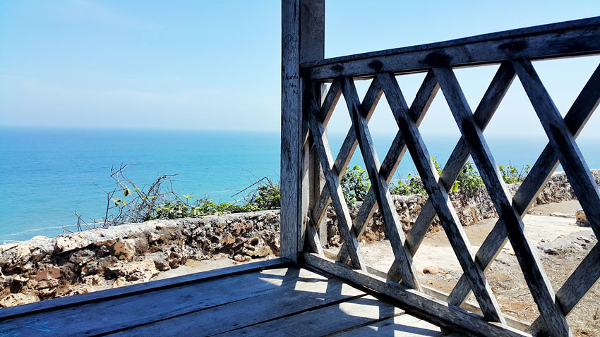 19-Bekah-shelter-Matin-tripcanvas