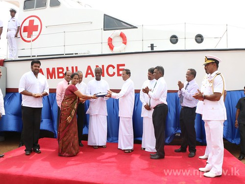 President handed over Ambulance Boat to Delft