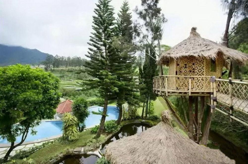 2-villa-lembang3-by-homeawaysg