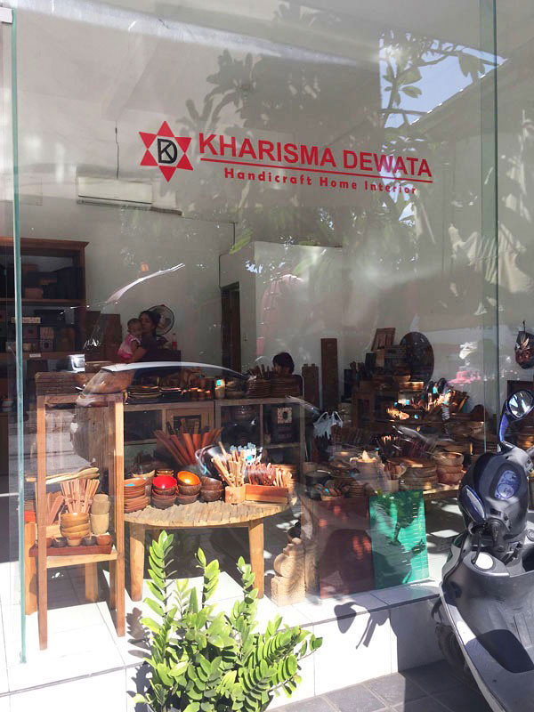situated close to nadita dewata kharisma dewata provides a wide assortment of handcrafted wood homeware if youd like to decorate your home with wood - Home Furniture Accessories