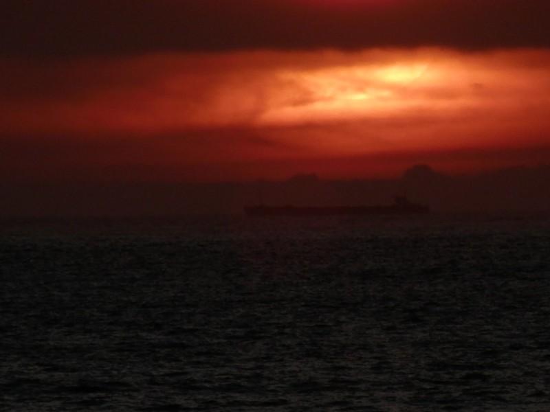 Barco largo al oeste