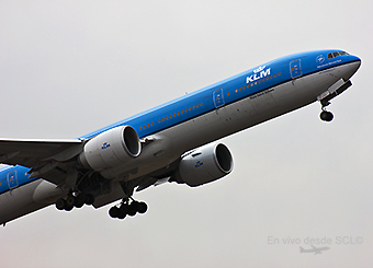 KLM B777-300ER take off 2 (S. Díaz)