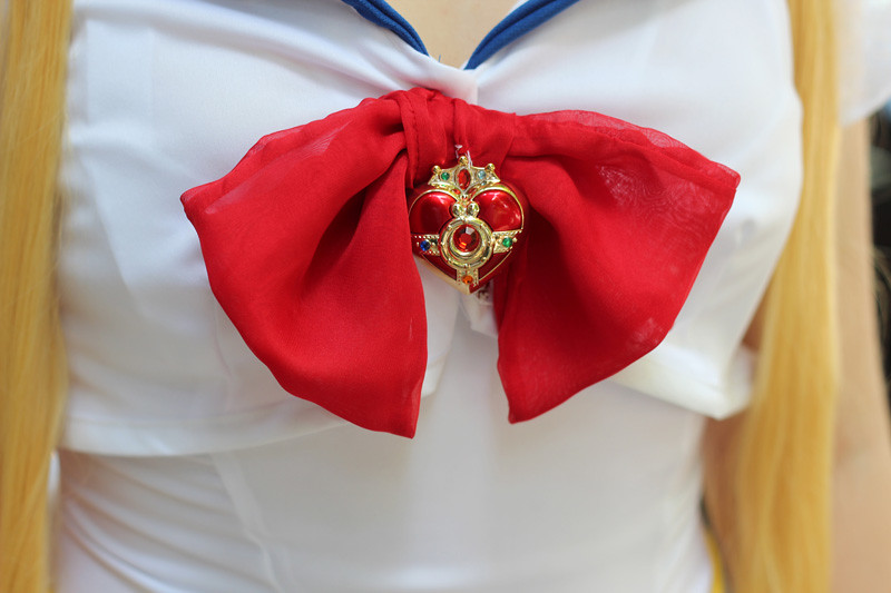 Sailor Moon Heart Silver Crystal Brooch