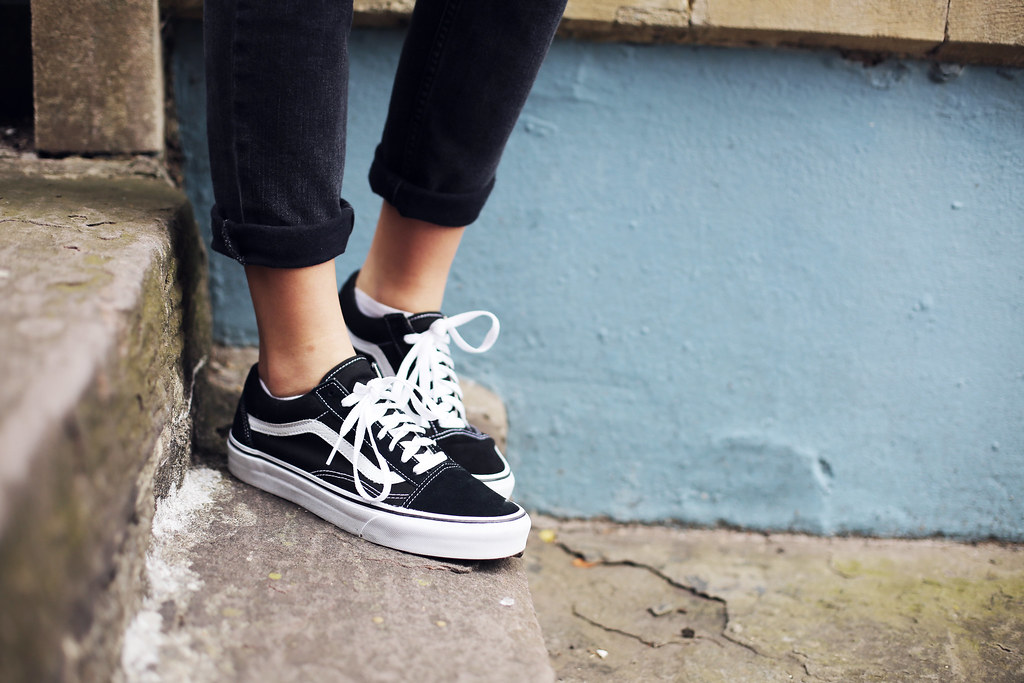 vans old skool black and white on feet