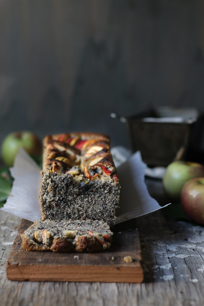 SESAME ALMOND APPLE CAKE - 5 cakes for MOTHERS DAY foodfashionparty 