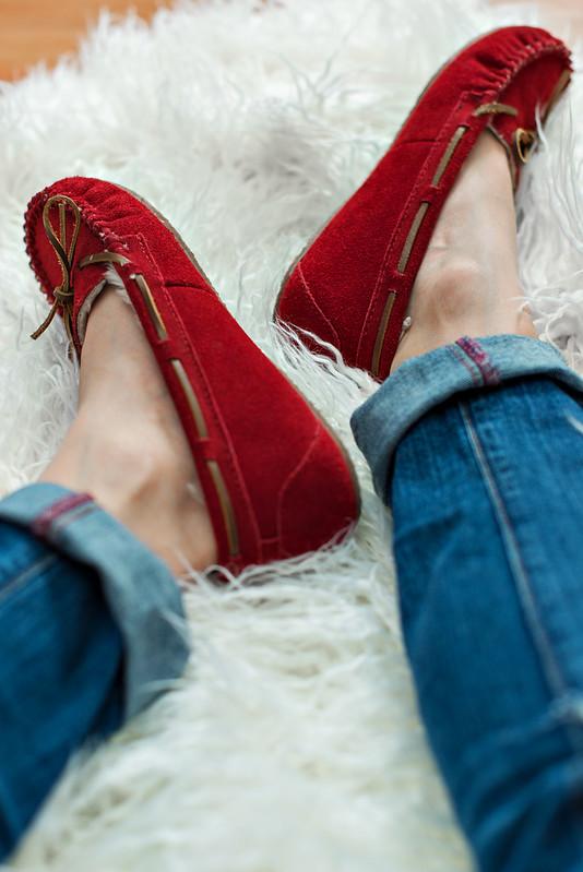 minnetonka slippers #ohsofamous