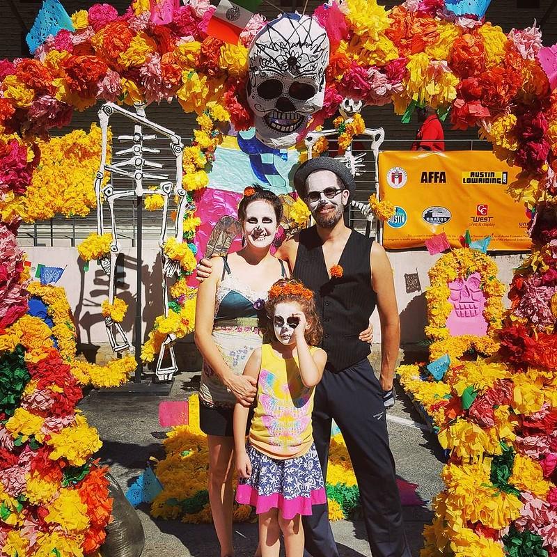 Los Muertos Molins at Viva La Vida
