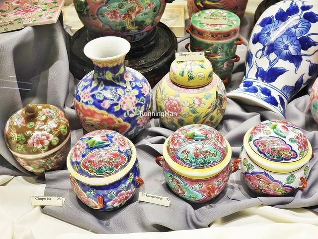 Baba-Nyonya Pots & Vases