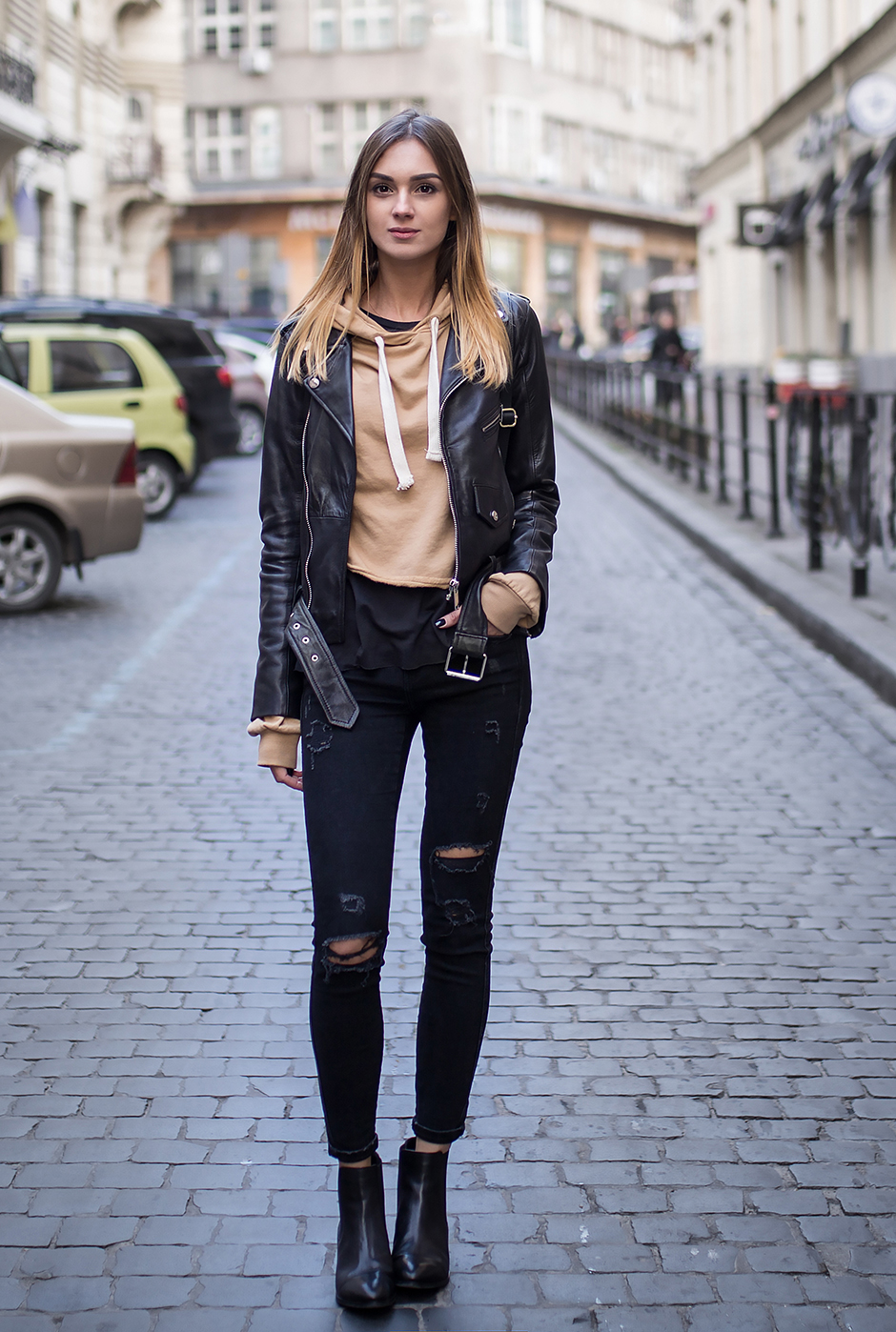 fashion-look-leather-jacket-hoodie-ripped-jeans-street-style