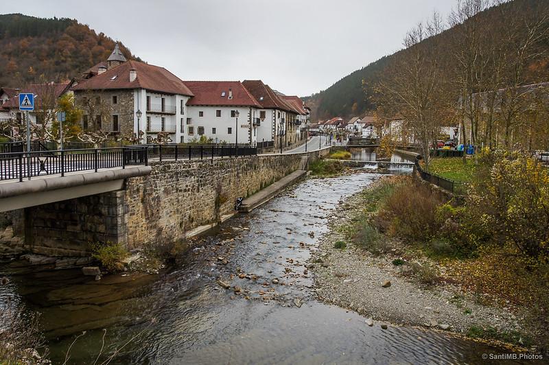 Nacimiento del río Salazar a partir del Anduña y el Zatoya
