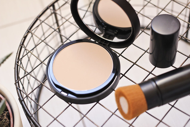 bareMinerals bare pro powder