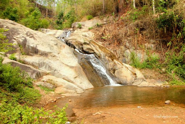 Mo Paeng Waterfalls Pai Thailand