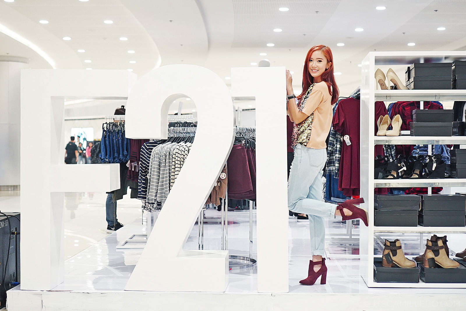 Forever 21 Holiday Pop Up Shop Camille Tries To Blog Camille