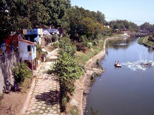 तिल-तिल मर रही है खान नदी