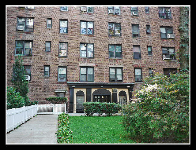 1Br Co-op Woodhaven  -Under Contract-