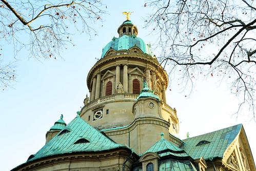 Mannheim Stadtteil Oststadt Gebäude Häuser Architektur Kirche Christuskirche Jugendstil Neobarock Erzengel Michael Foto Brigitte Stolle Dezember 2015