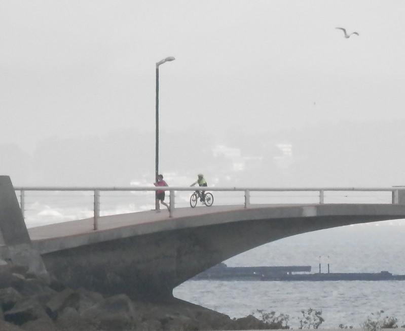 Por el puente de Aguiño