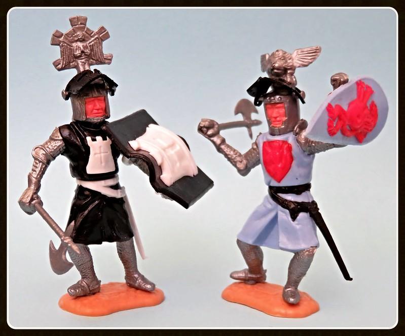 Toy soldiers, cowboys, indians, space men etc 31410255305_f36d8d0ab6_c