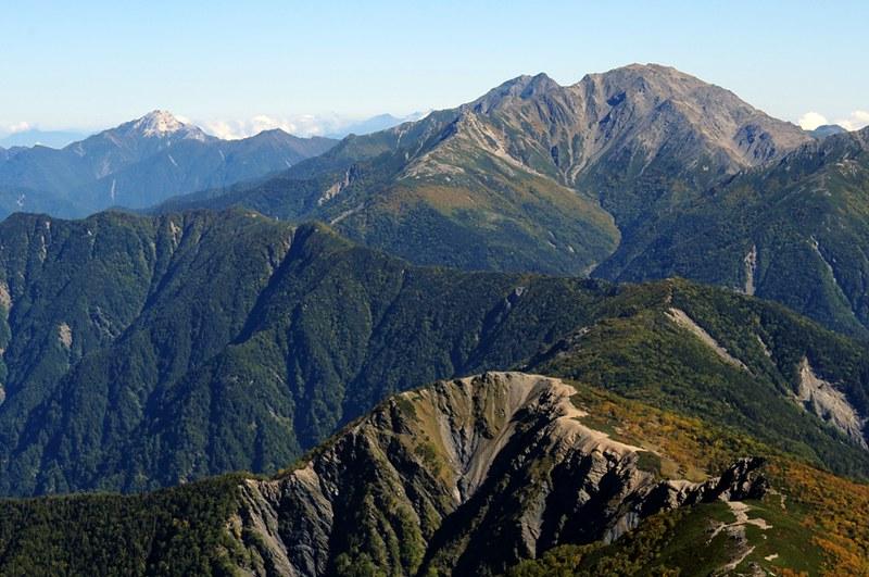 間ノ岳と北岳、甲斐駒ヶ岳