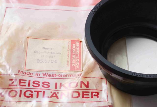 二手鏡頭 香港 . . . Contarex   35-85mm 專用   插刀接口    圓型橡膠遮光罩