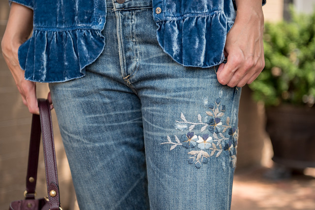 Velvet, embroidered '90's-inspired boyfriend jeans, DC Style Factory Tanvii.com